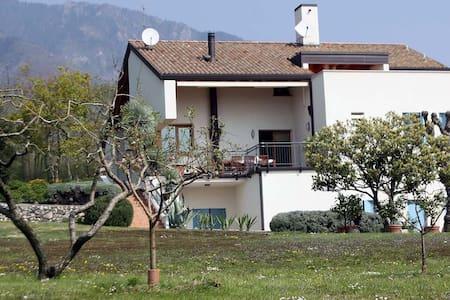Un villa nel verde - Fuga