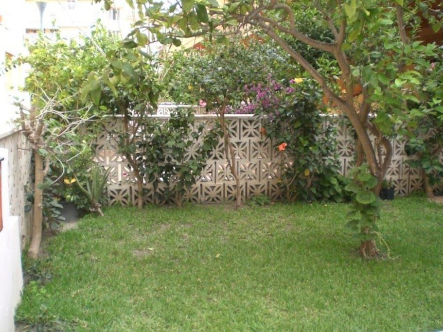 Chalet con terraza jard n piscina chalets louer for Jardin louer 78