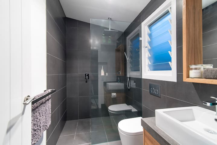 walk in shower with rain head and shower rail