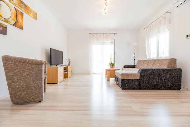Relaxing & Fresh Apartment in Pula
