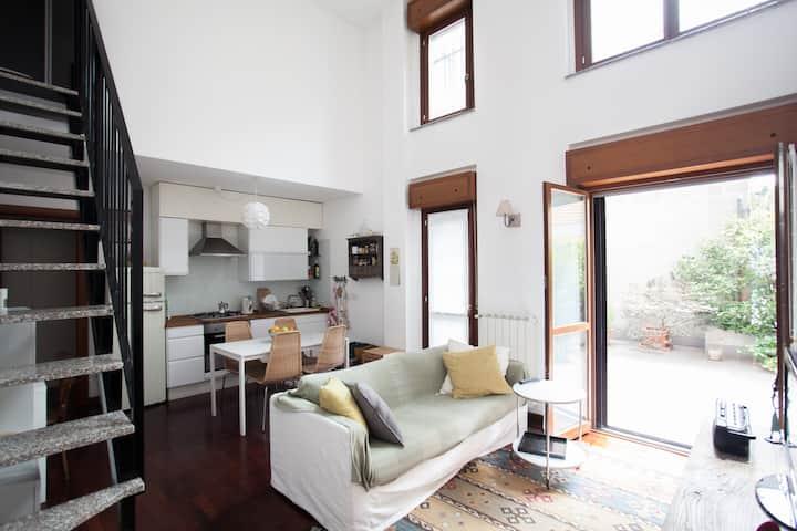 Sunny Mini Loft + Terrace + Wi Fi
