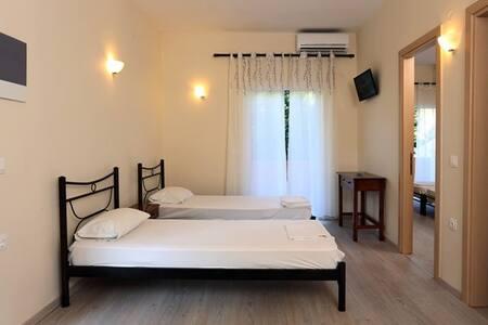 Villa Rosa- Apartment - Gouvia