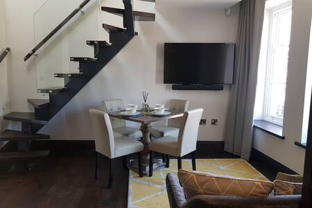 Luxury 2 Bedroom Apartment, 1 bathroom
