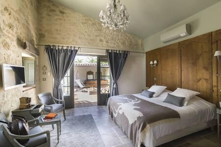 Room with private outdoor spa - Prignac-et-Marcamps - ที่พักพร้อมอาหารเช้า