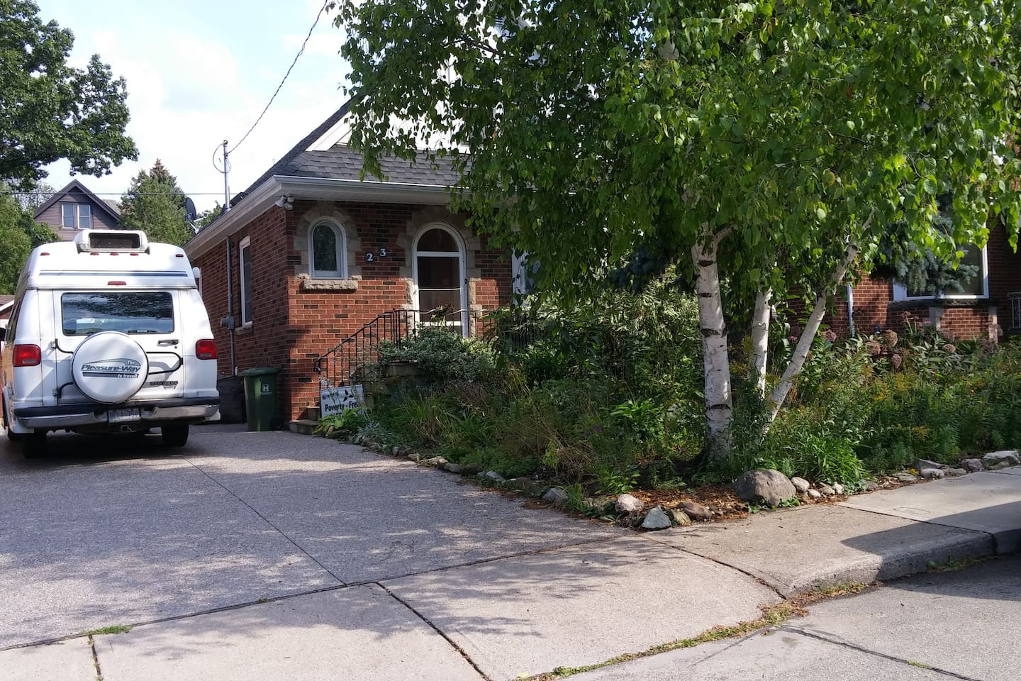 1+1/2 storey house on a cul-de-sac in a family oriented neighbourhood. Free parking.