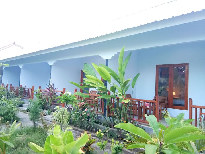 Bunga Baru Bungalow with garden view 01