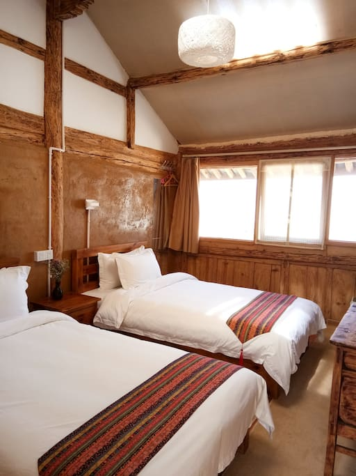 二楼双床房