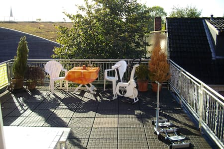 2 Doppelzimmer m. Kochnische + Bad - Lübeck