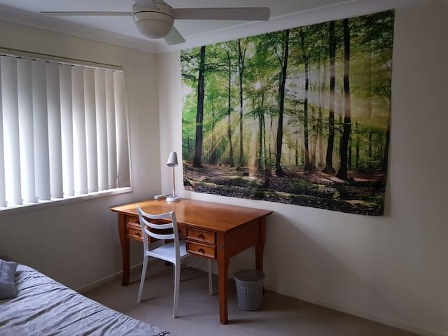 Comfortable  Single room in Oxley