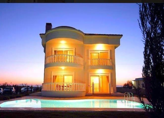 Antaliya Villa
