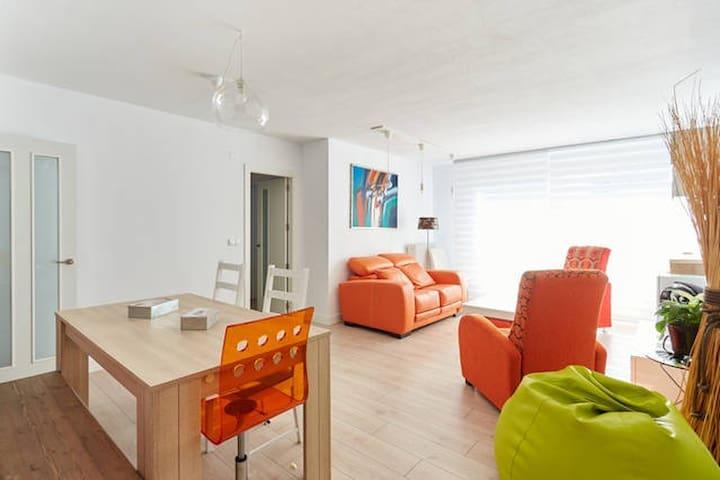 Pamplona san fermin bulls running uat00684 apartamentos en alquiler en pamplona navarra espa a - Apartamentos san fermin new york ...