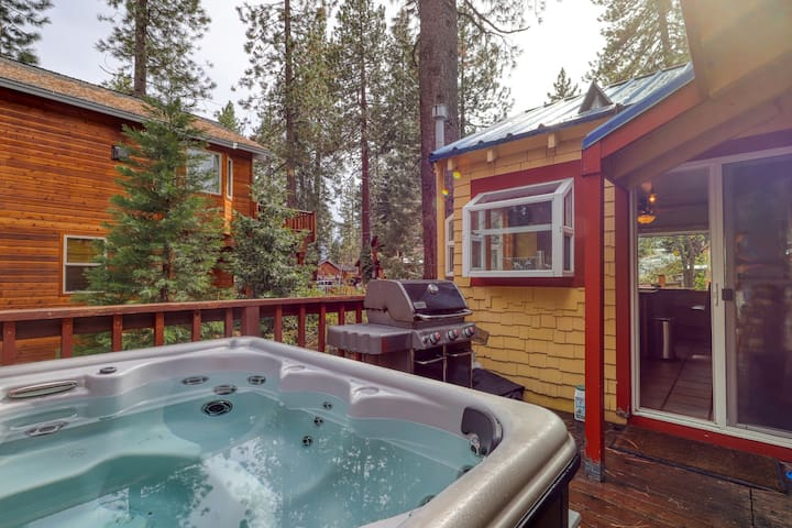 NEW LISTING! Dog-friendly cabin w/ private hot tub near skiing, hiking & lake!