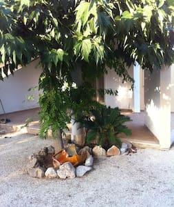 puglia villa con giardino nel mare del salento - Monacizzo-librari-truglione