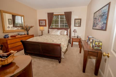 Lompoc private guestroom and bathroom