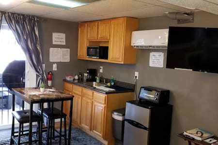 Private Studio Apt near NJ Airport & Trains to NY