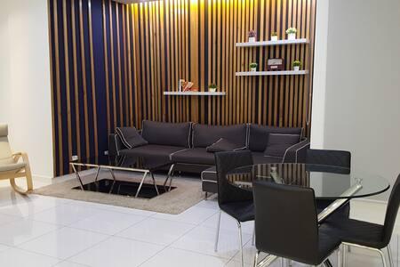 Riverine sapphire condo - Kuching