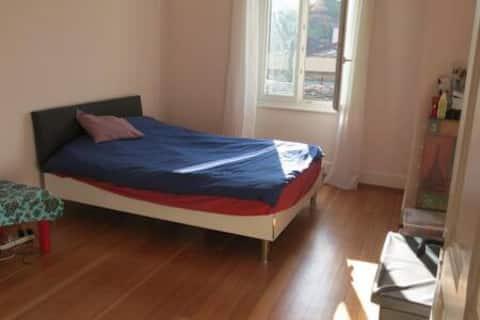 Location d'une chambre pour la nuit dans un appart