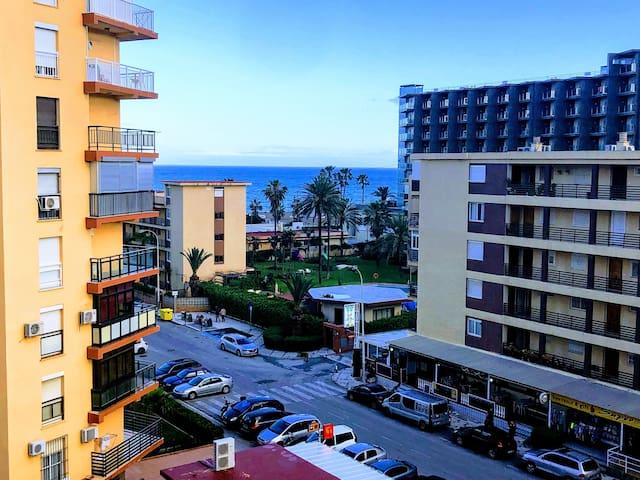 Apartamento confortable con vistas al mar