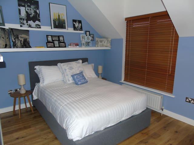 Comfortable and Modern, 2 bed, Malahide, Dublin - Malahide - Apartamento