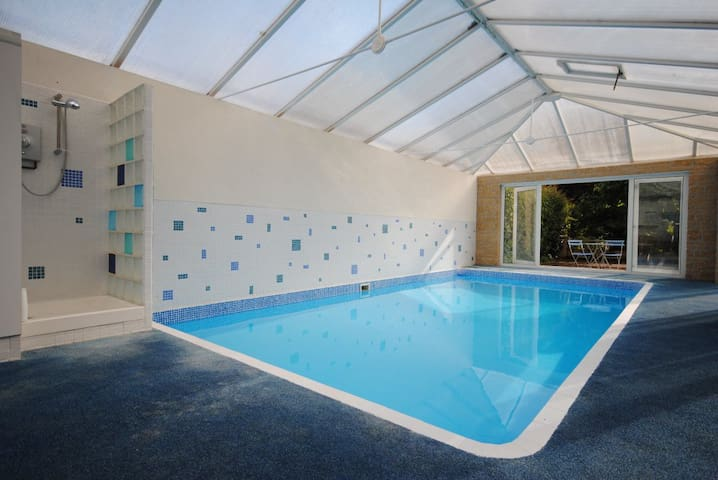 'The Condo' use of private heated pool (May-Oct) - Dorset