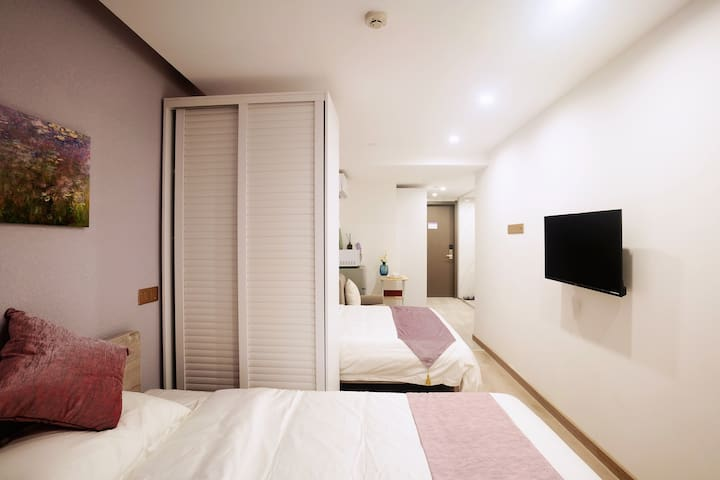漕宝路地铁站1,12号线60米南丁酒店服务公寓