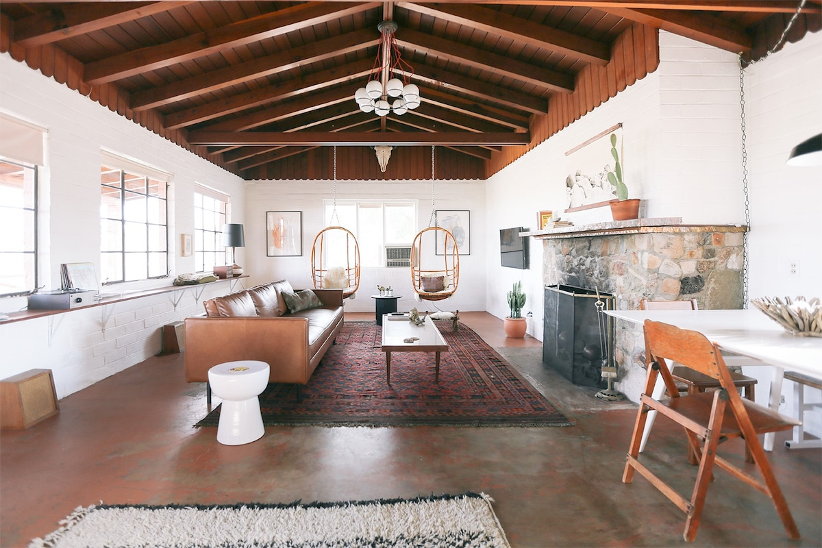 find homes in rancho mirage on airbnb