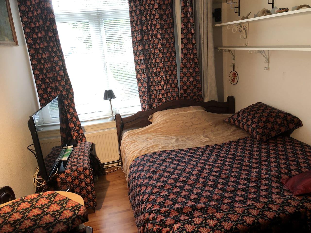 Laura Aschley room met hemelbed
