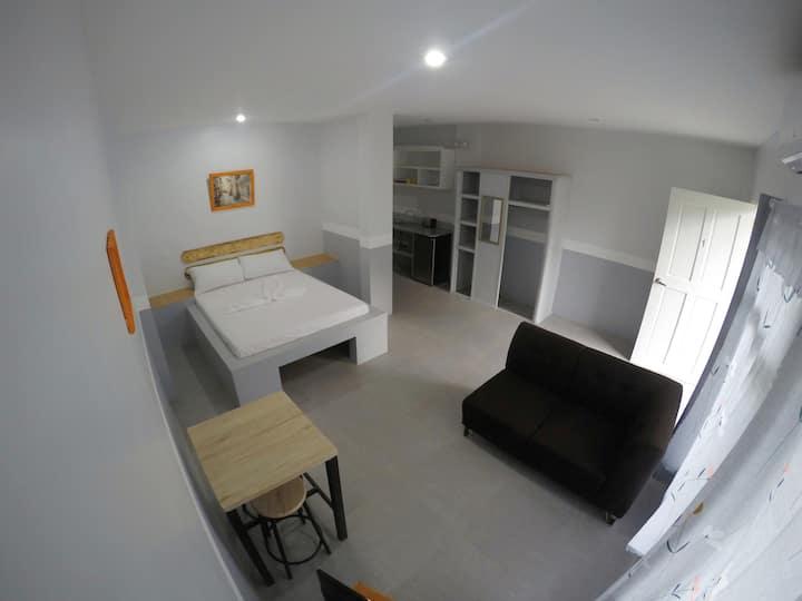 Spacious European Style Apartment