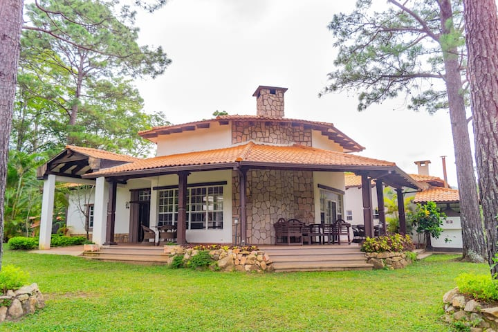 Peaceful Villa @ Wonderful Nature - Safe, Clean, & Private - Valle de Angeles
