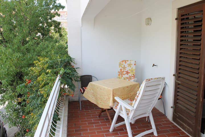 Comfy/budget apt with garden terrace and balcony - Cavtat - Pis