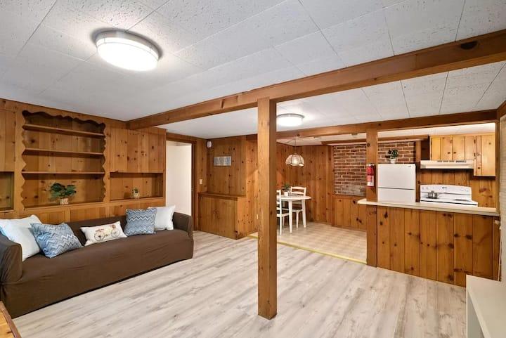 Cozy Guest Suite in the Redwoods!