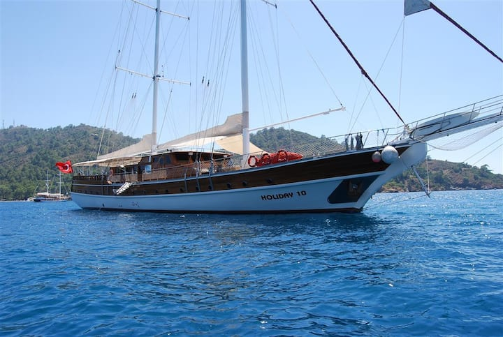 Platin Yachting - 10 cabins 40 MT