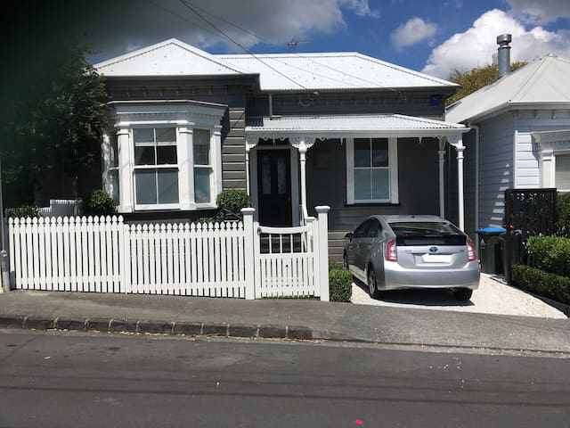 Traditional villa in the heart of Ponsonby