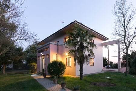 Fantastic villa. - Galindo y Perahuy - Alpehytte