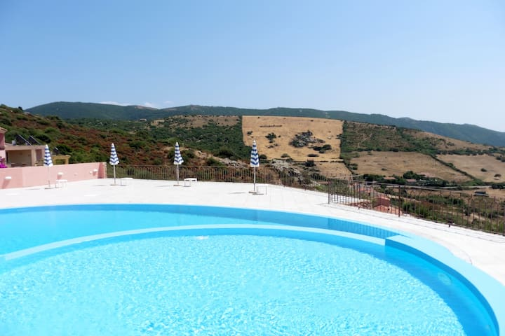 Amazing apartment with the pool blue - Trinità d'Agultu e Vignola - Appartement