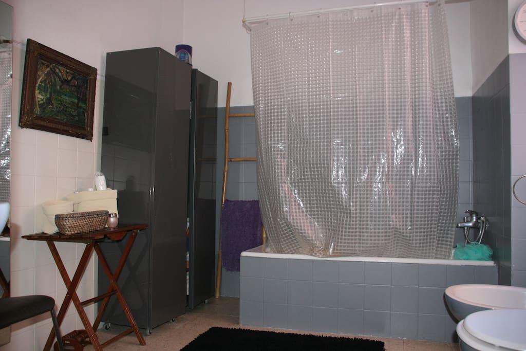 casa de banho muito espaçosa