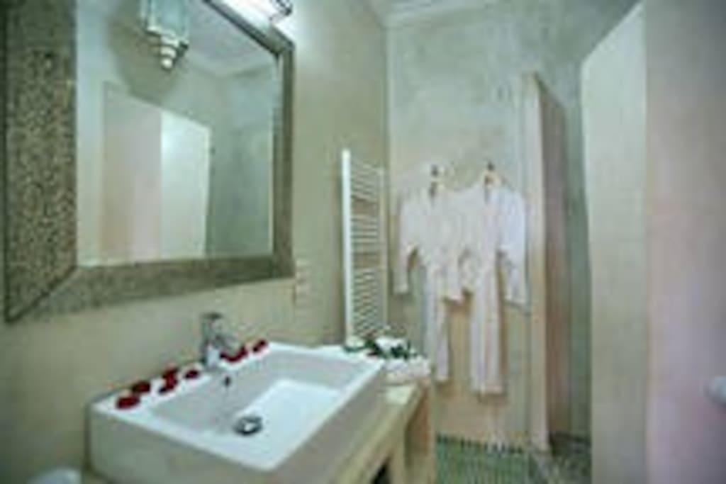 riad mouna chambre priv e violette bed breakfasts for. Black Bedroom Furniture Sets. Home Design Ideas