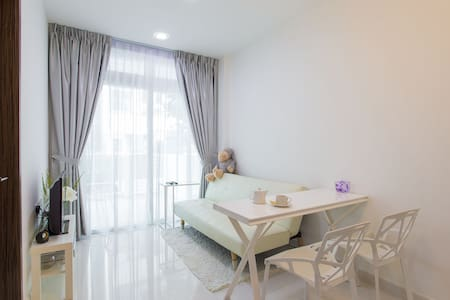Simple & Cozy 1 BD resort-like apt