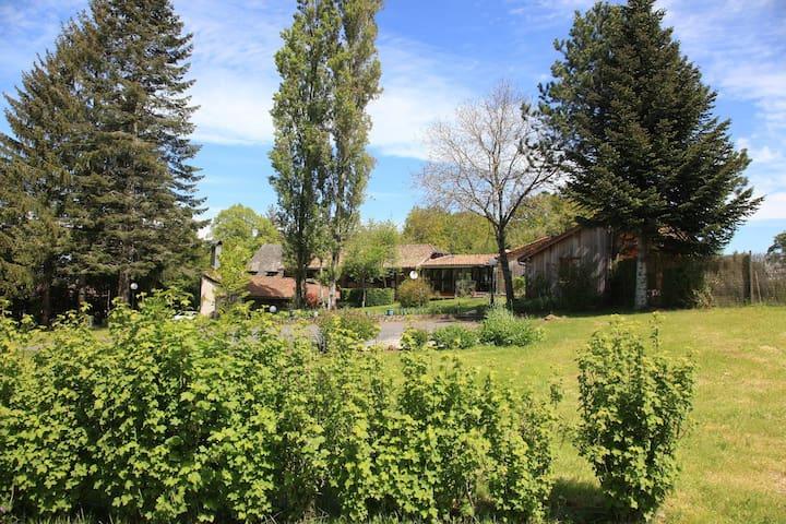 Gîte de Charme près d'Aurillac - Sansac-de-Marmiesse