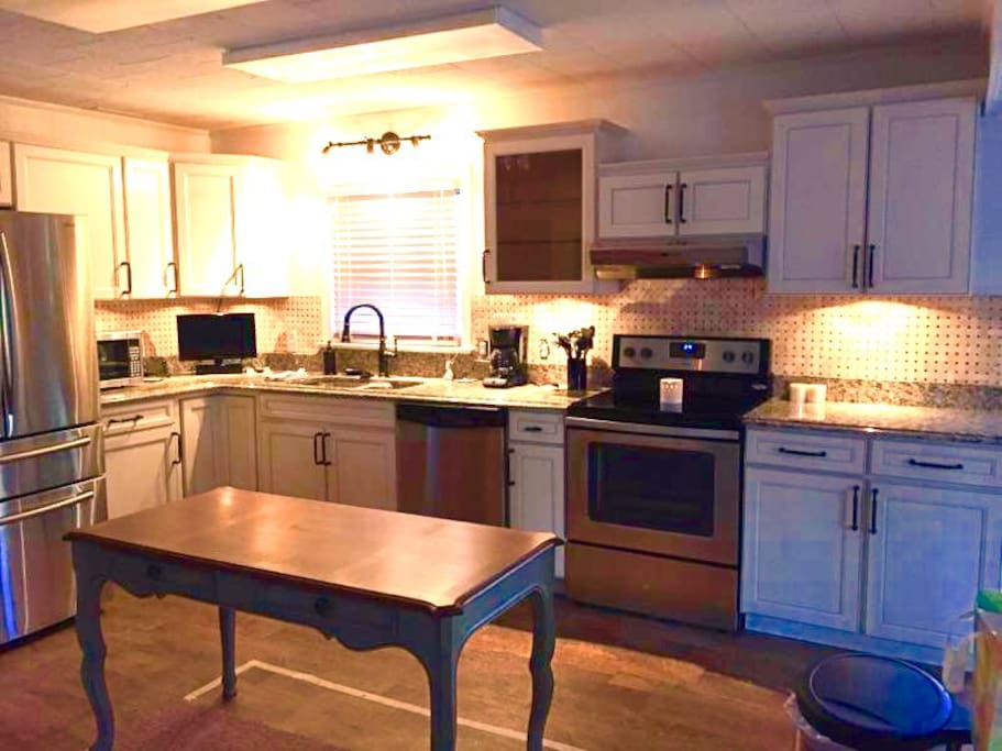 Completely remodeled kitchen!!