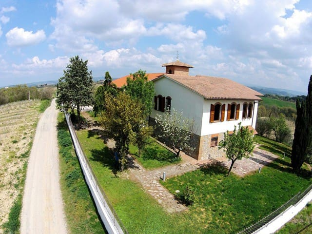 Casale tra le vigne toscane - San Gimignano - House