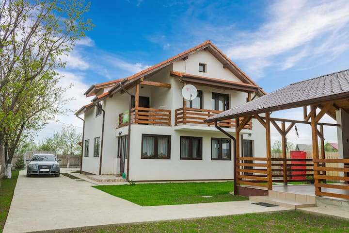 Room in Private villa in the rural area of Iasi