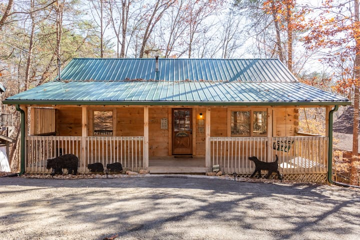 1 Mile From Downtown Pigeon Forge/Hot Tub/Rustic