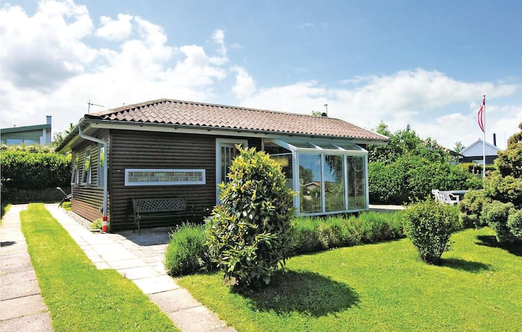 Holiday cottage with 2 bedrooms on 50m² in Kerteminde