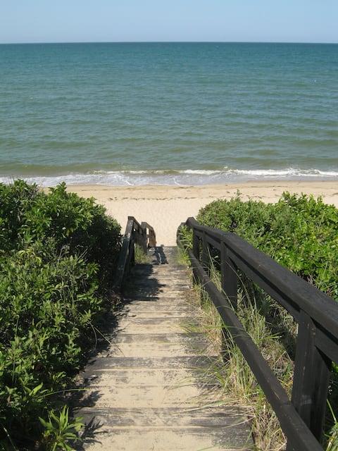 Cape Cod Suite Near Private Beach