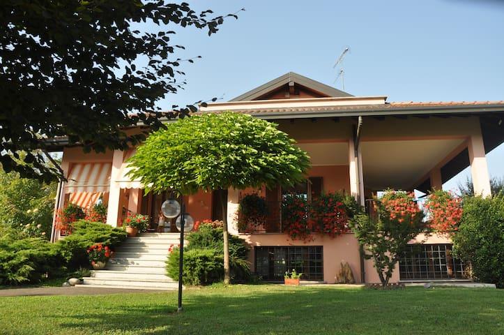 RELAX sul Lago Maggiore - Sesto Calende - Oda + Kahvaltı