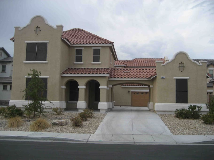castle 5 bed pool houses for rent in north las vegas