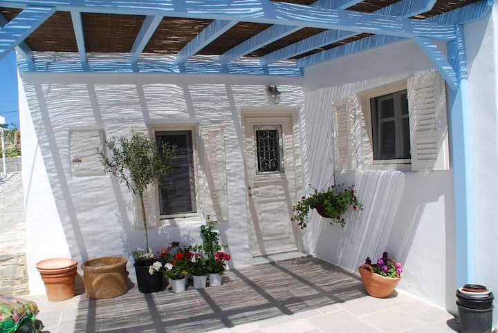 house in the village of antiparos