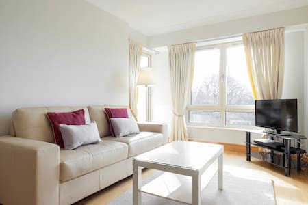 Ballsbridge D4 - Apartment overlooking parklands
