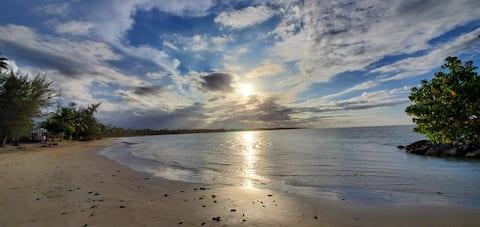 Cozy Ocean Breeze Studio 2 Minutes From The Beach